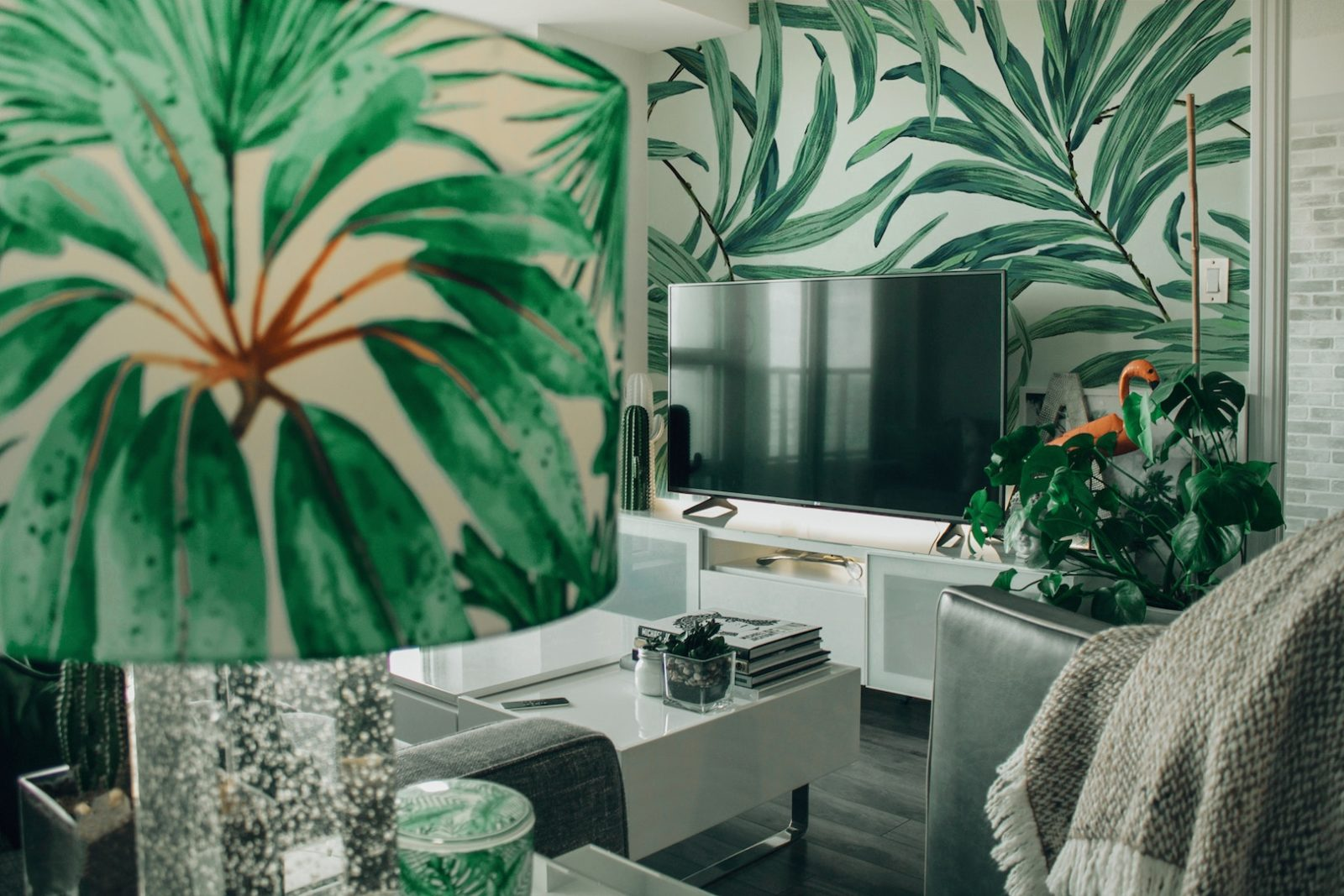 4 IDEAL WAYS TO ACHIEVE TROPICAL CHIC IN YOUR INTERIOR DESIGN