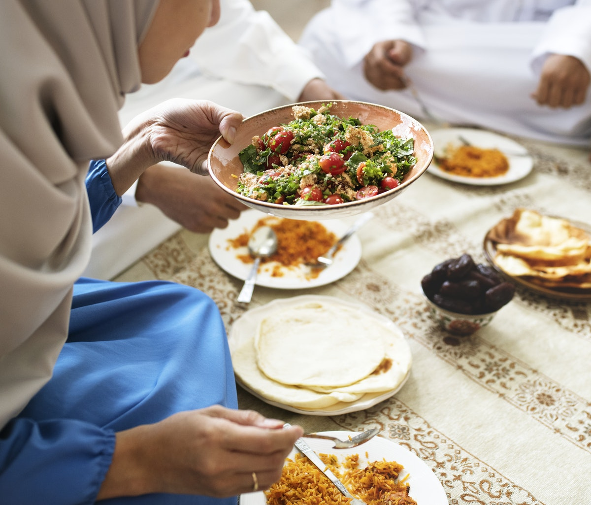 5 IDEAL DISHES TO TRY WHEN TRAVELLING TO THE UAE