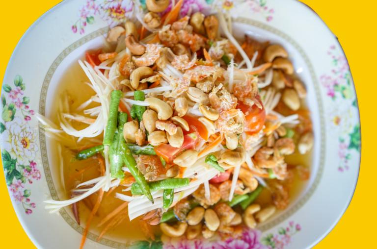 HOW TO MAKE THE IDEAL BANGKOK STYLE SOM TAM: A RECIPE